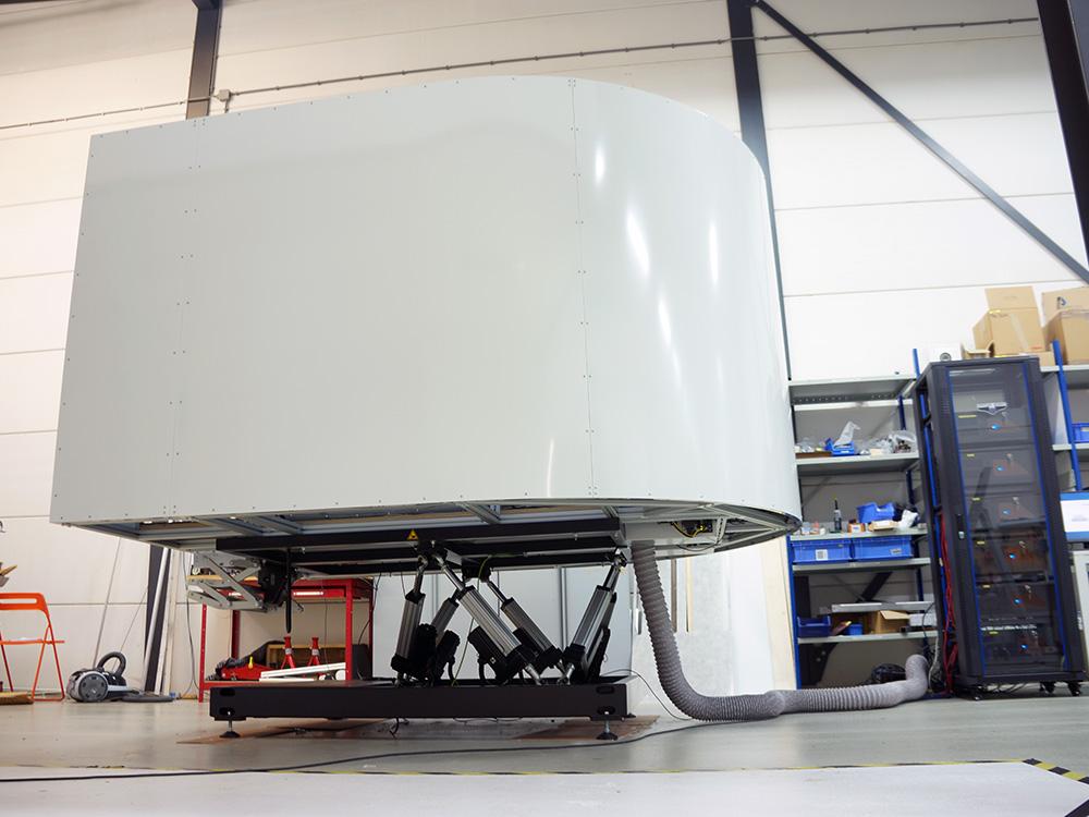 TRC 472FGM Full Motion Flight Simulator
